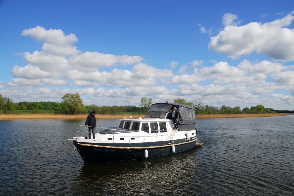 mit dem Hausboot durch die masurische Seenplatte